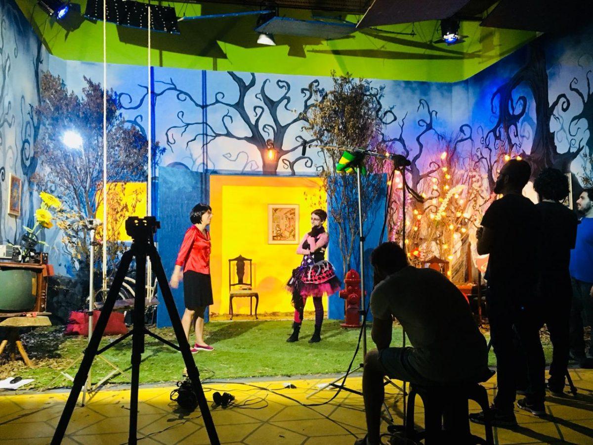 Matheus Ueta e Gabriela Sêga estrelam CasaKadabra, série educativa repleta de magia e aventura