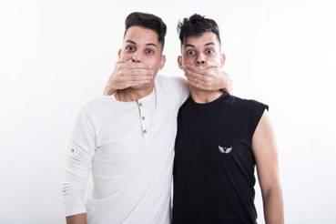 Com milhões de seguidores no Youtube, os gêmeos Willou e Watson voltam com O que não dizer ao Teatro MorumbiShopping