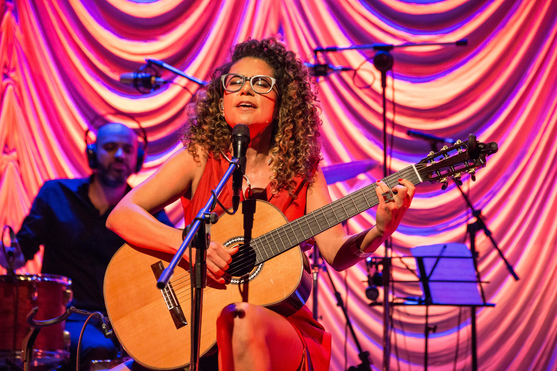 ZANNA, a voz do MetrôRio e indicada ao Grammy Latino como melhor disco de MPB, leva seu novo show à Zona Norte - Crédito Marcelo de Mattos