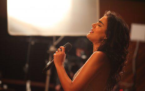 Camilla Faustino faz show de lançamento do DVD Bossa Sempre Bossa no Blue Note São Paulo