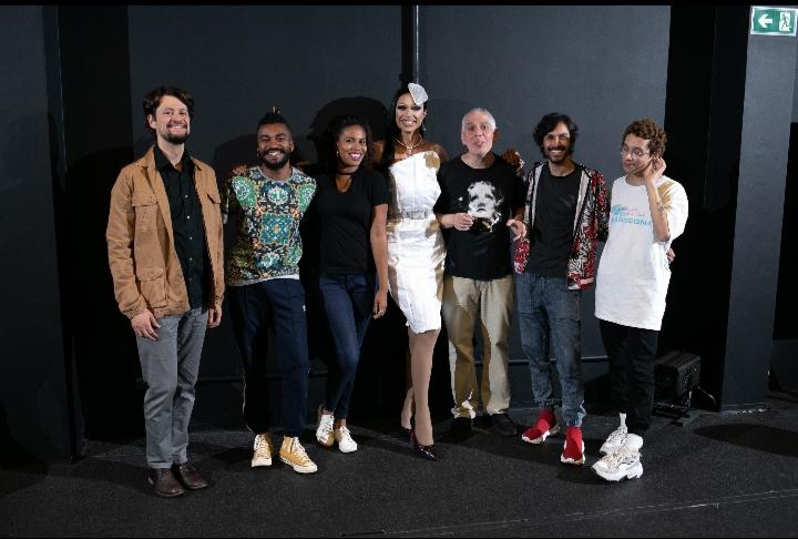Cia Os ZZZLOTS estreia: SAPATHOS na SP Escola de Teatro De 6 até 23 de março